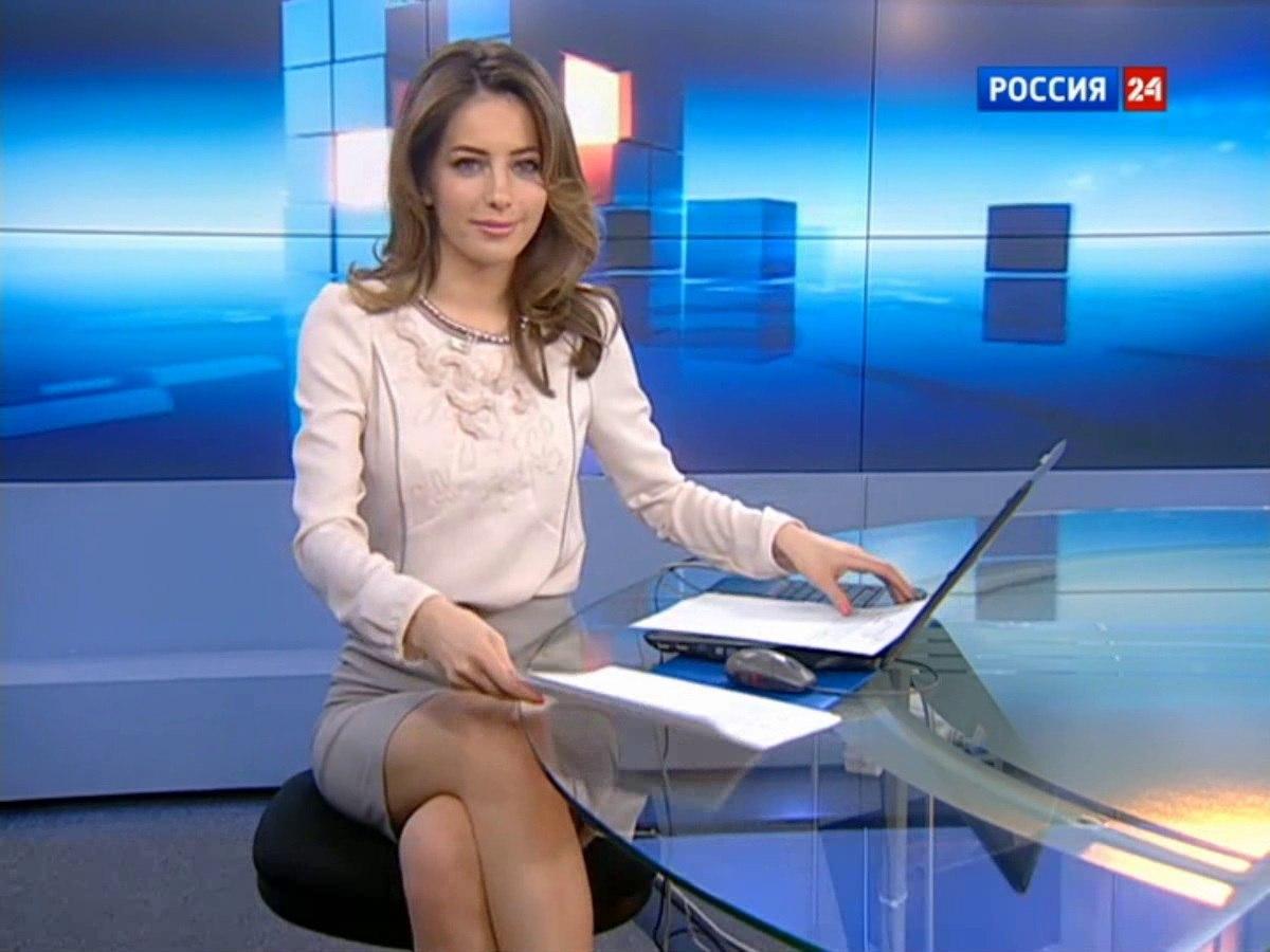 goloy-foto-televedushih-rossiyskih-kanalov-trahaet-stoya