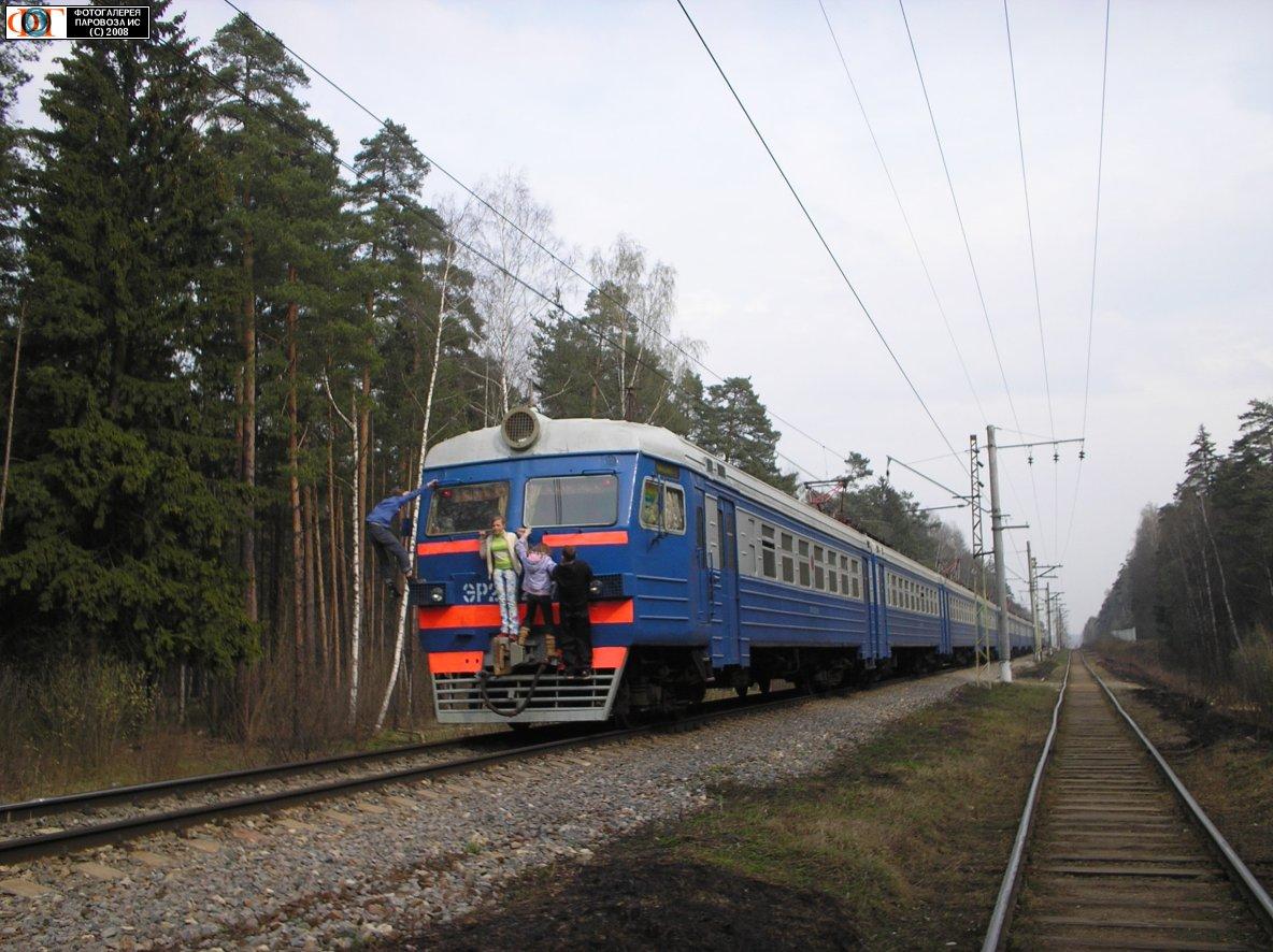 фото поезд самотек
