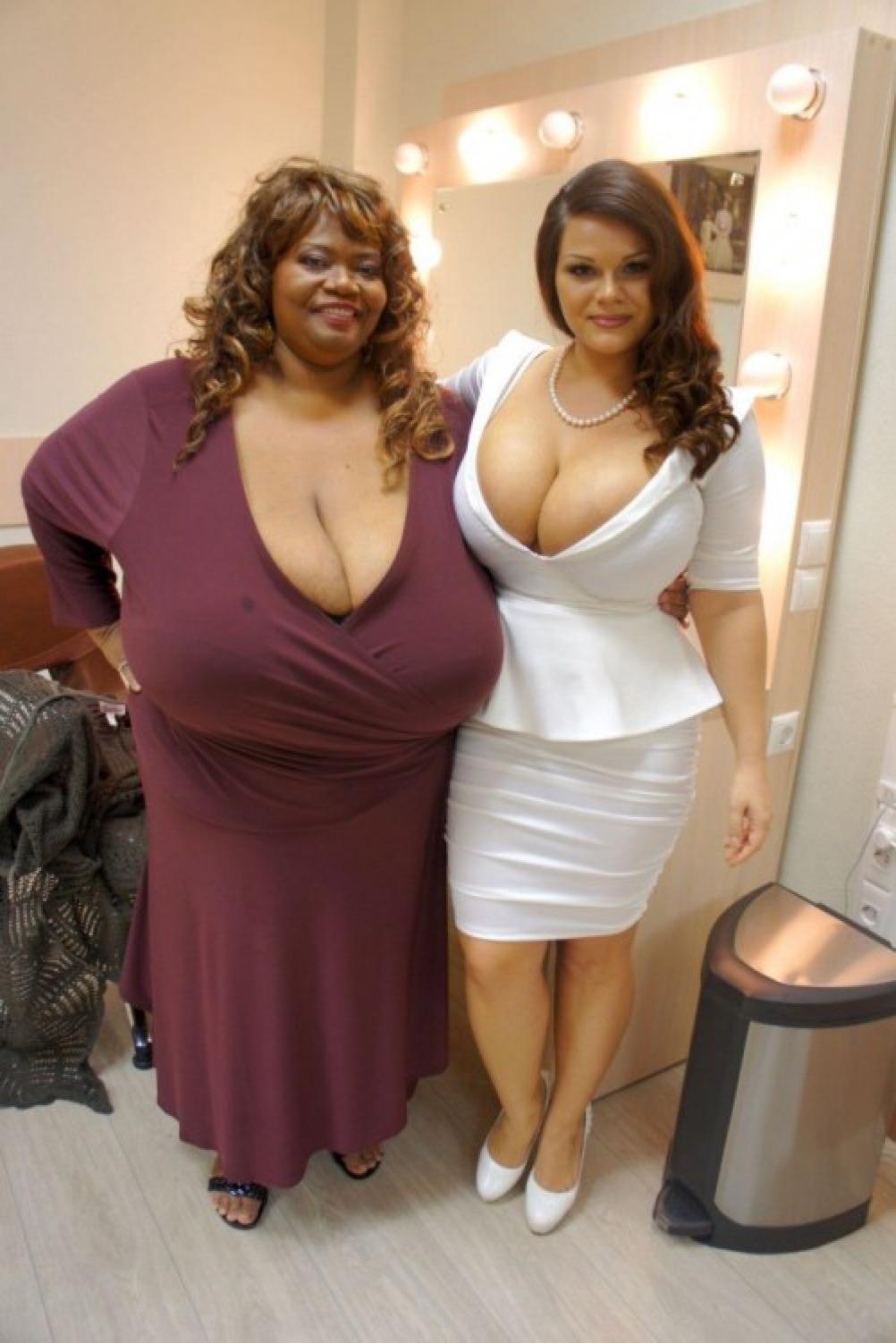 взгляды мужчин смотреть фото самая большая грудь у женщины флора