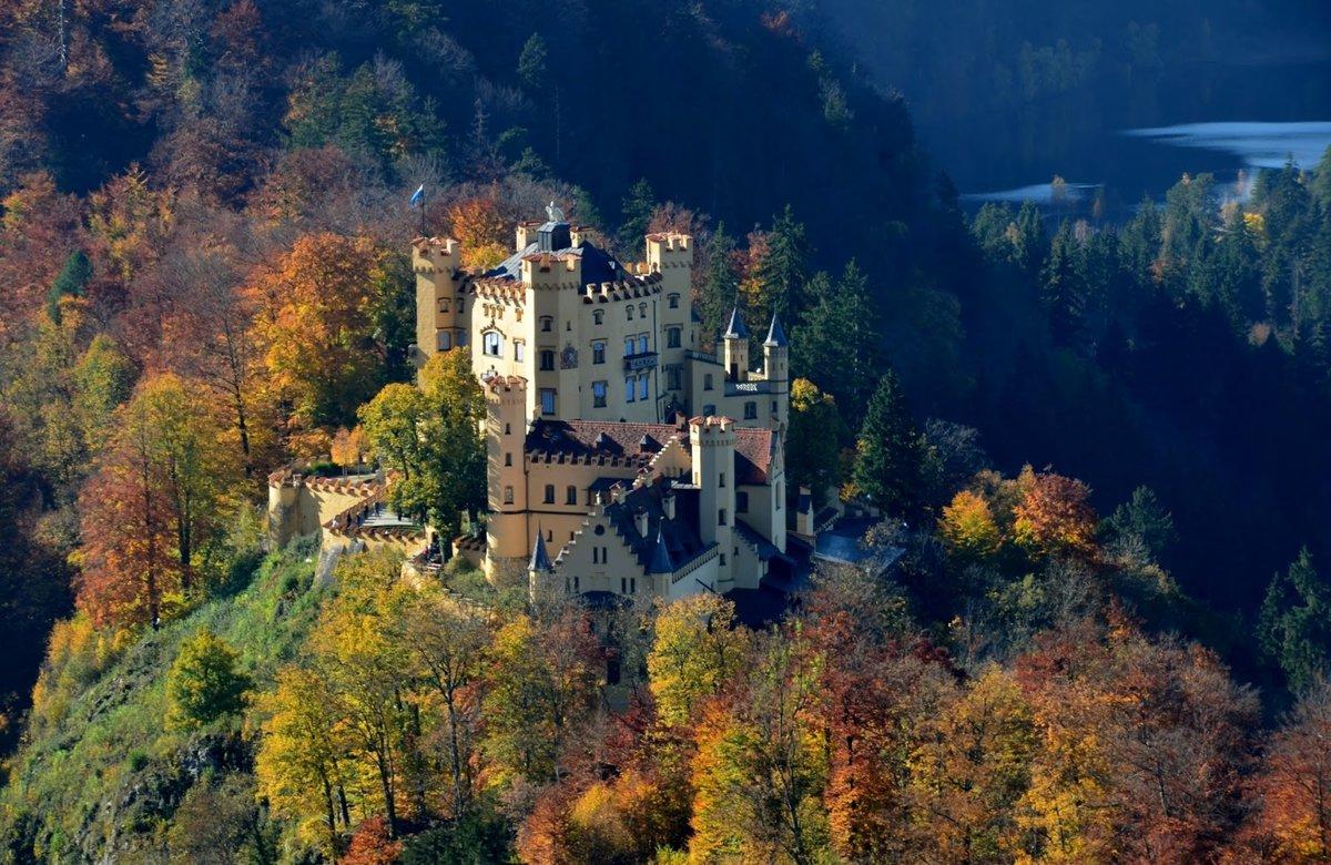 самый красивый замок в мире фото таком доме может