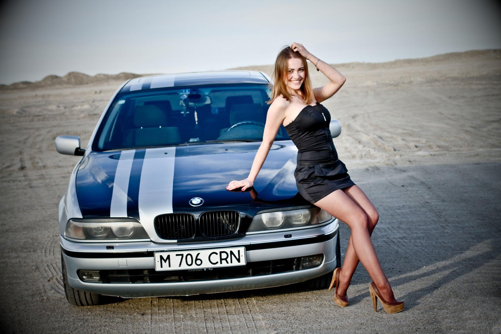 Картинки девушек и машин бмв