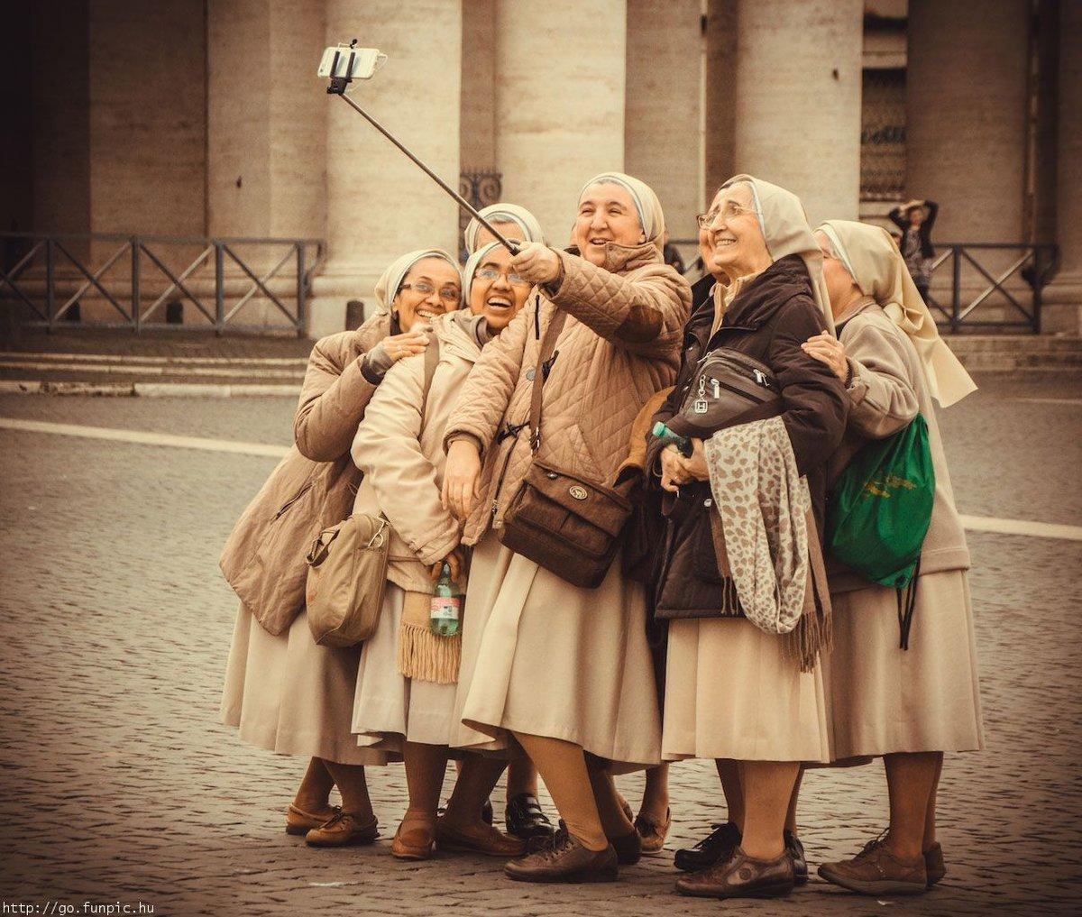 Картинки старушки веселятся