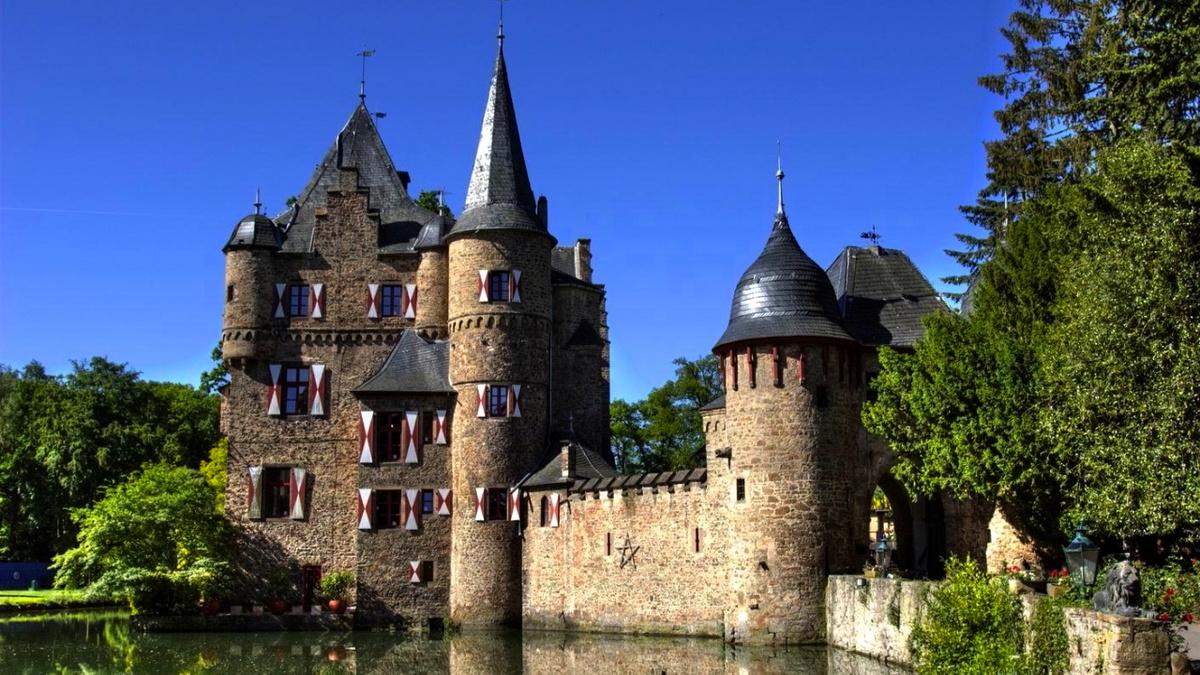 Самые красивые картинки замков в мире