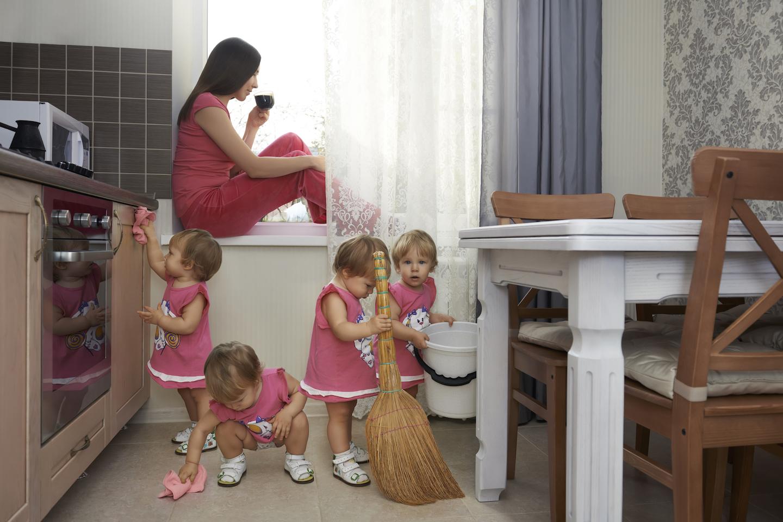 Смешные картинки ребенок и мама, надписью подруге