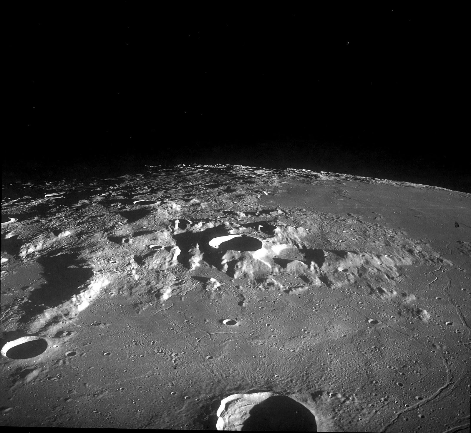 можете луна обратная сторона фото из космоса второй