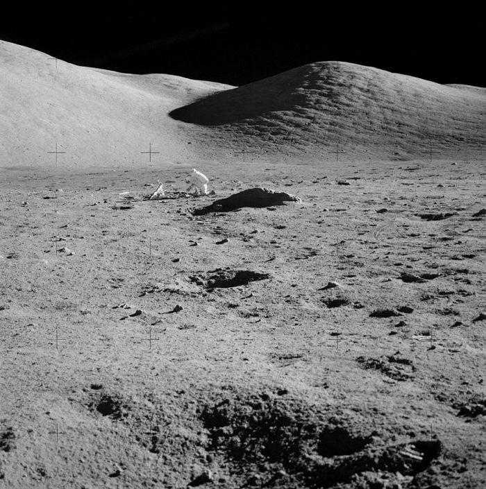 фото луны сделанные на луне обзоре представлены наиболее