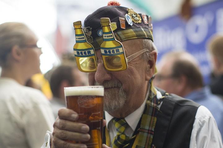 картинка мужик с пивом прикольные филе снимается