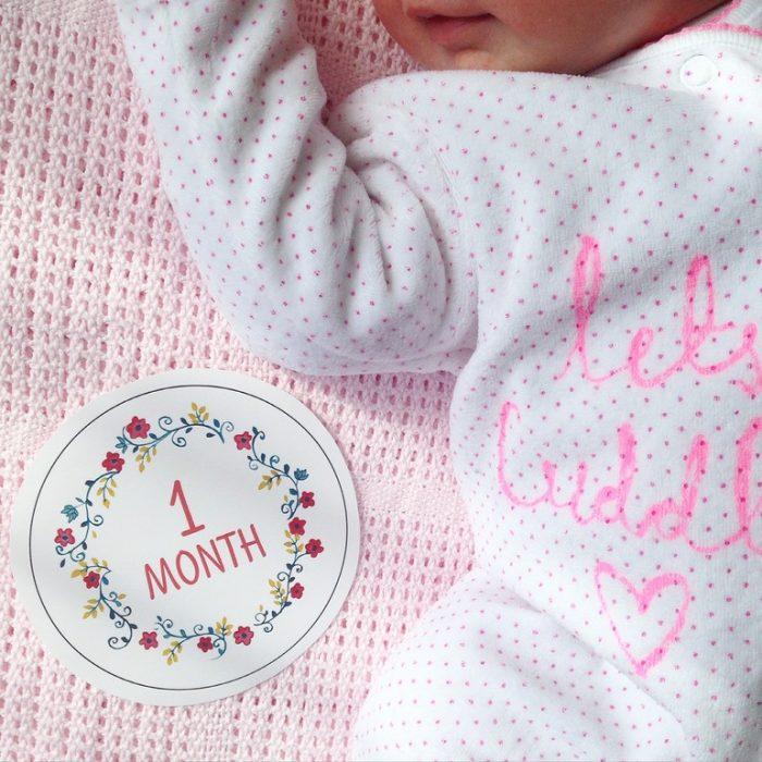 С первым месяцем девочку картинки