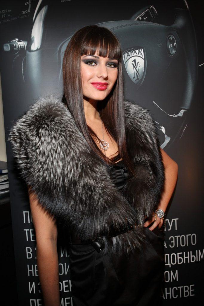 Оксана федорова с челкой фото